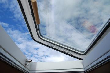yacht luken around the world expeditionsmobil allrad. Black Bedroom Furniture Sets. Home Design Ideas